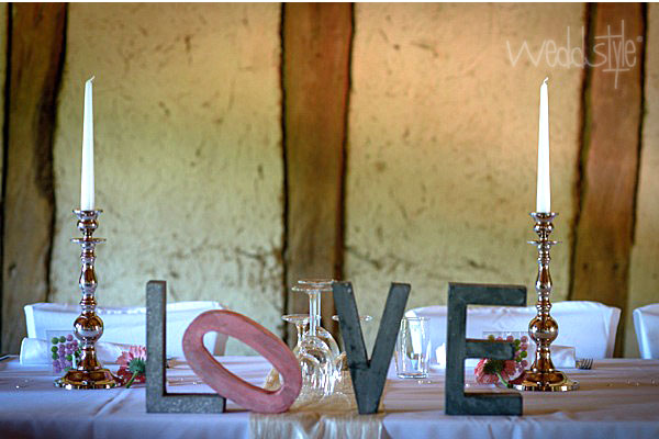 Buchstaben f r hochzeit deko weddstyle - Hochzeitsdeko grau rosa ...